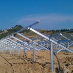Proceso de instalación de las estructuras fotovoltaicas de Zhangiz.