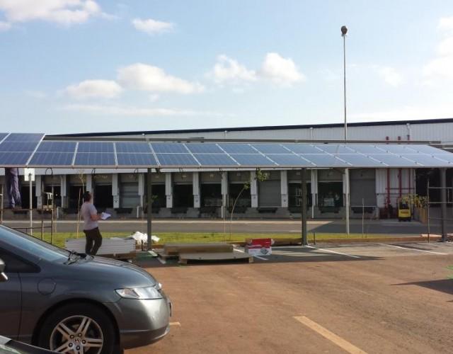 Instalación solar fotovoltaica en tejavana de parking.