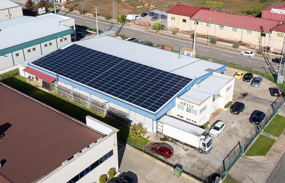 Instalación solar fotovoltaica de autoconsumo en empresa de embutidos en Navarrete