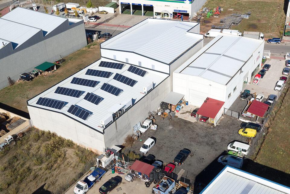 Instalación solar fotovoltaica de autoconsumo en industria peletera de Nájera