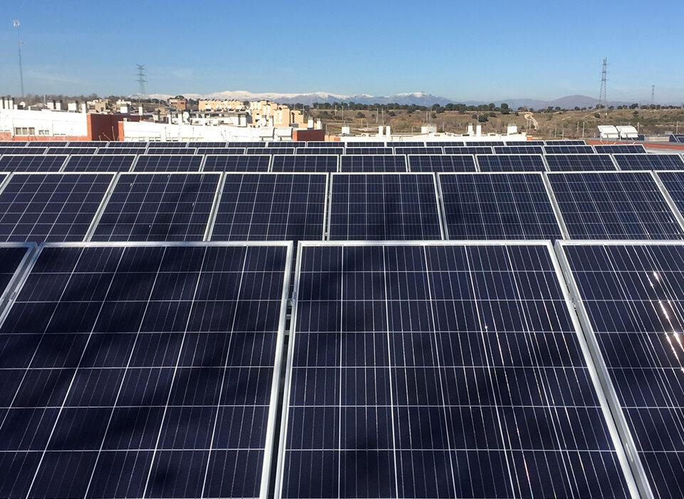 Instalación solar fotovoltaica de autoconsumo en Asociación Apadis, San Sebastián de los Reyes