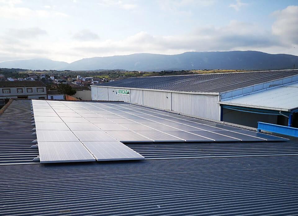Instalación solar fotovoltaica de autoconsumo en empresa de procesado, almacén y venta de carne de caza