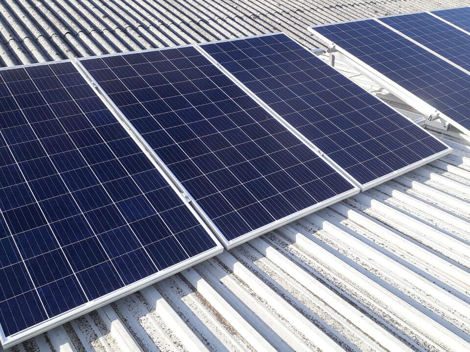 Instalación solar fotovoltaica de autoconsumo en la empresa Cartonajes VIR, ubicada en Siero, Asturias