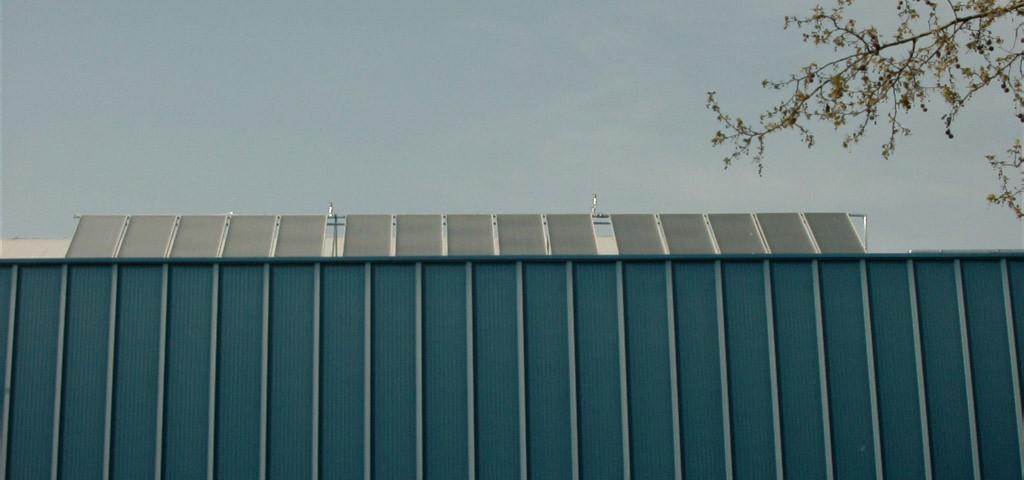 Placas solares térmicas en polideportivo San Francisco