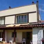 Colectores solares termicos sobre tejado para suministro de ACS a viviendas