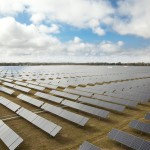 Paneles solares instalados en el parque de Jaíba en Brasil